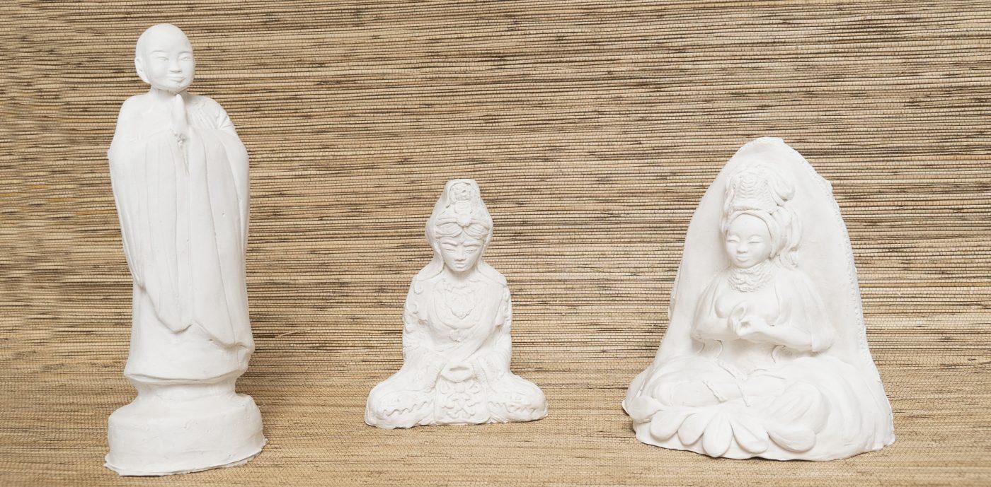 3 statues unpainted